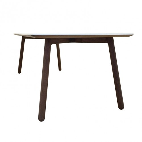 front-table-m3007-bjoern-ischi